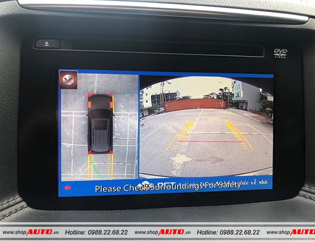 Hiển thị toàn cảnh phía sau xe hỗ trợ lùi đỗ dễ dàng